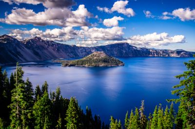 A view of Crater Lake National Park on a sunny day