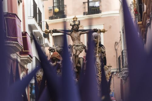 A depiction of the crucifixion of Jesus during Holy Week
