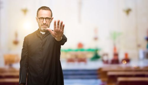 A priest turning Americans away from organized religion