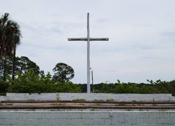"Appeals Court Rules 34-Foot Cross in Public Park Not ""Religious Symbol"""