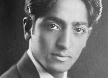 Krishnamurti and Present Moment Awareness