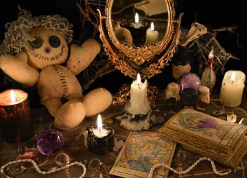 Voodoo vs. Hoodoo: What's the Difference?